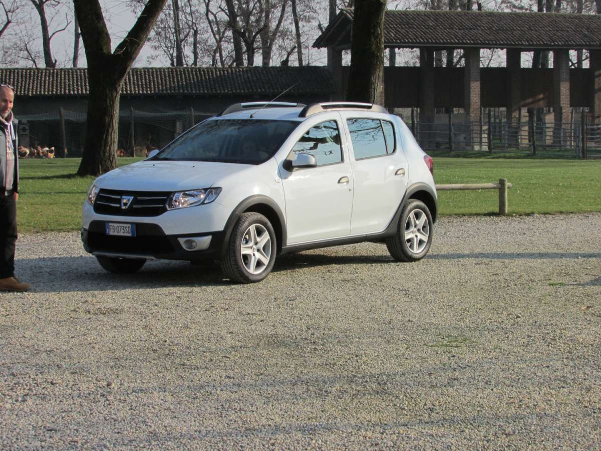 Sandero Stepway Turbo GPL bianca