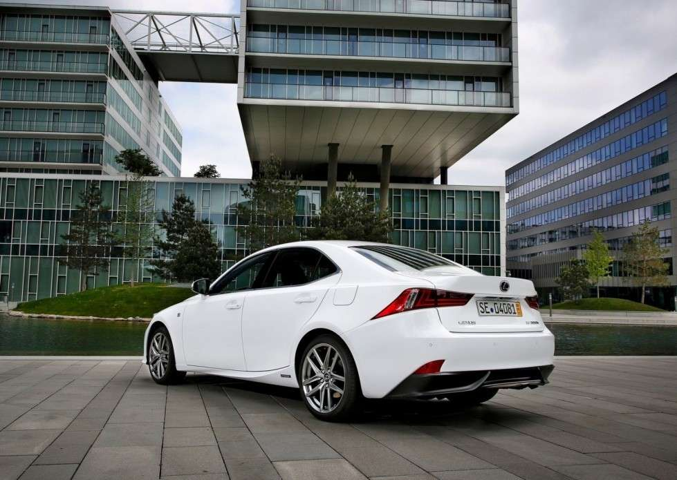 Lexus IS posteriore