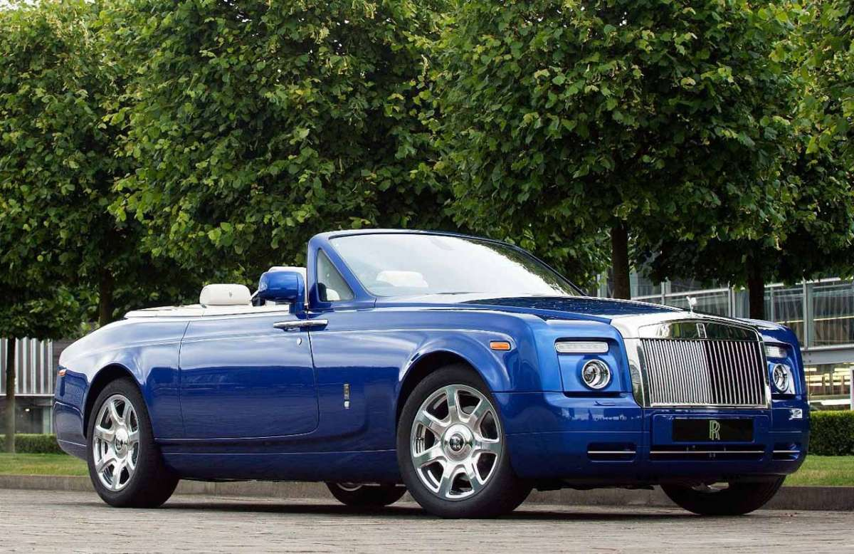Rolls Royce Phantom Drophead Coupé blu