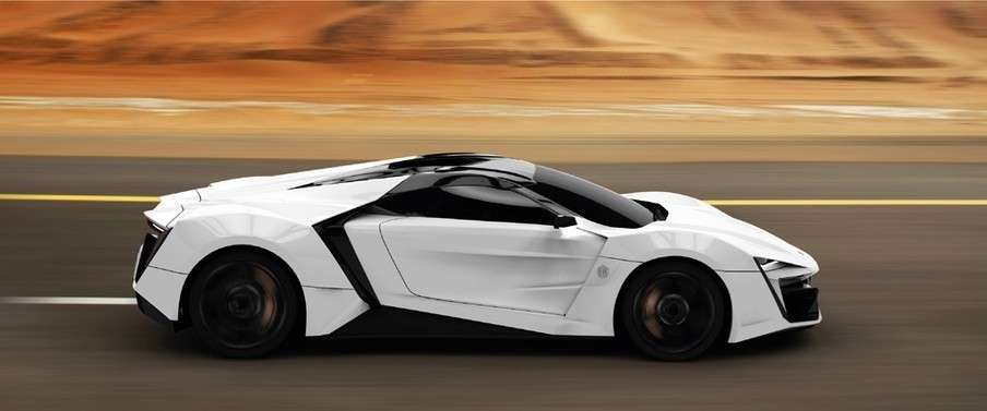 W Motors Lykan Hypersport fiancata
