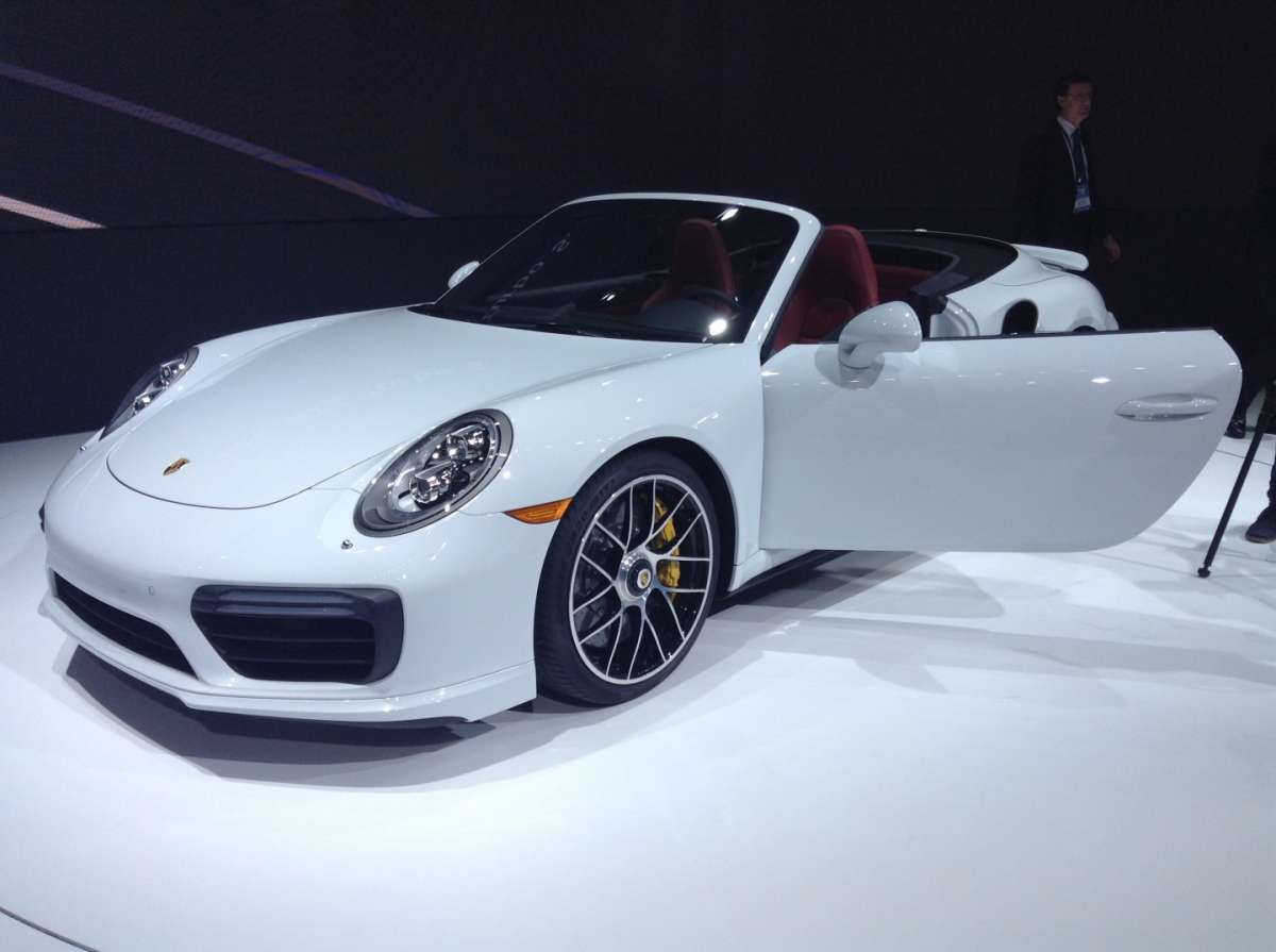 Restyling Porsche 911 Turbo S