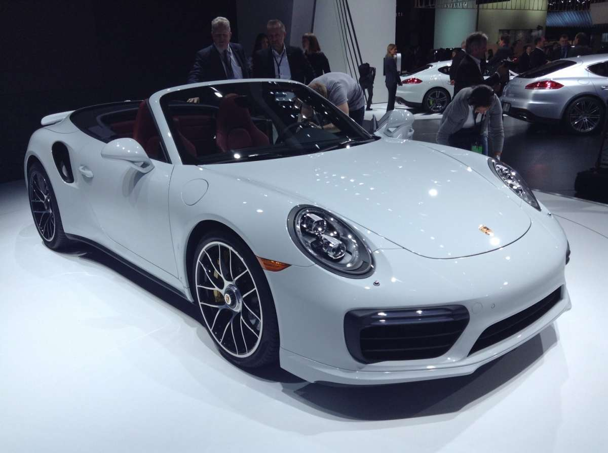Nuovo look per la Turbo S 2016