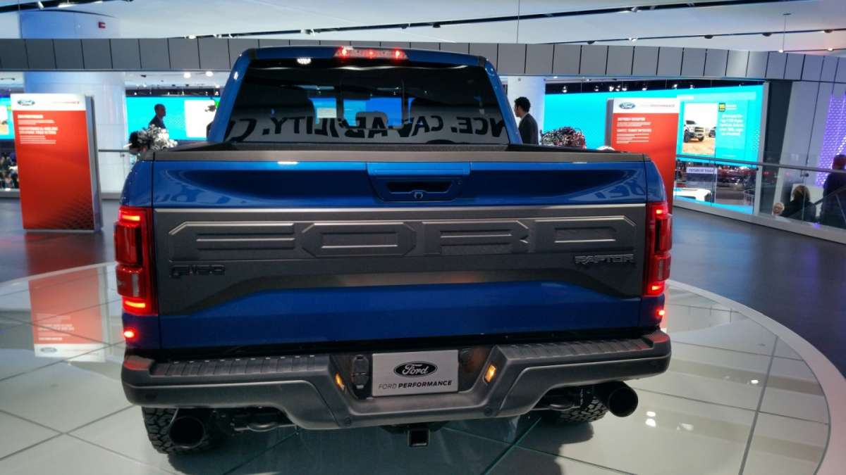 Ford F-150 Raptor al Salone di Detroit 2016 (5)