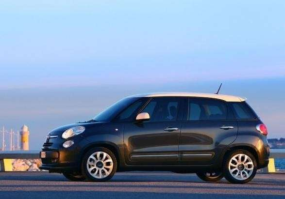 Fiat 500 L Natural Power fiancata