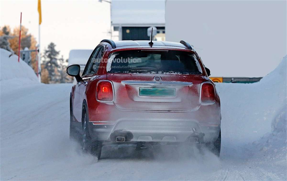 Foto spia dell'Abarth 500X