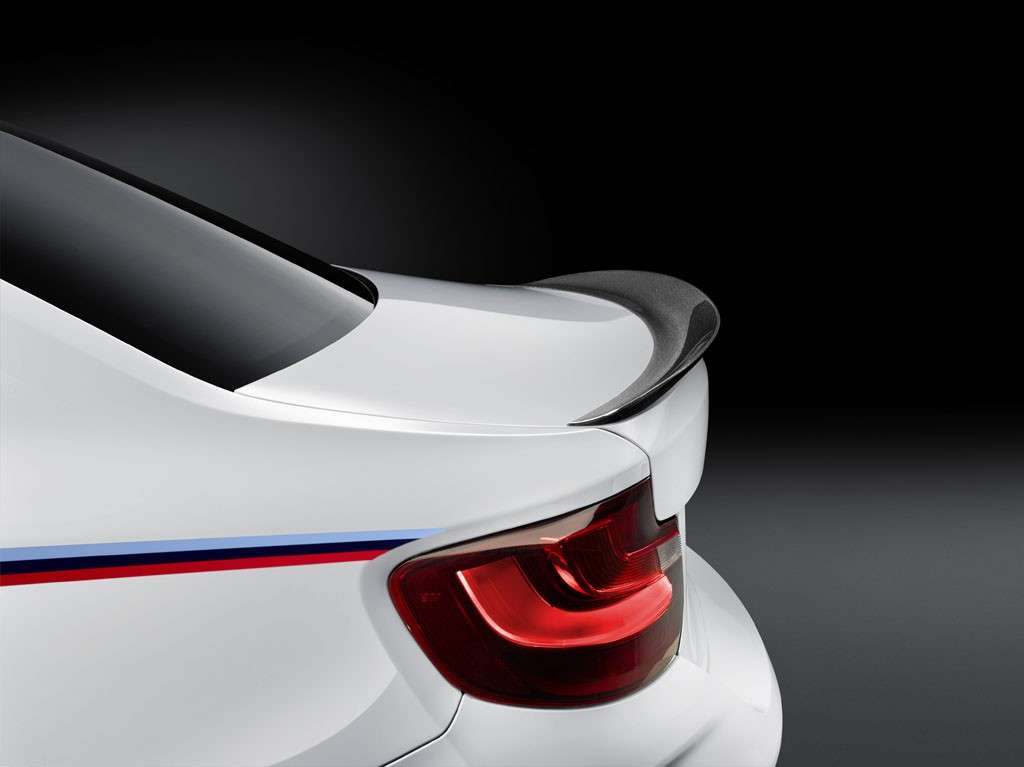 BMW M2 Coupé M Performance aerodinamica spoiler