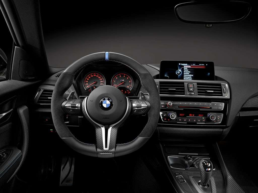 BMW M2 Coupé M Performance interni volante