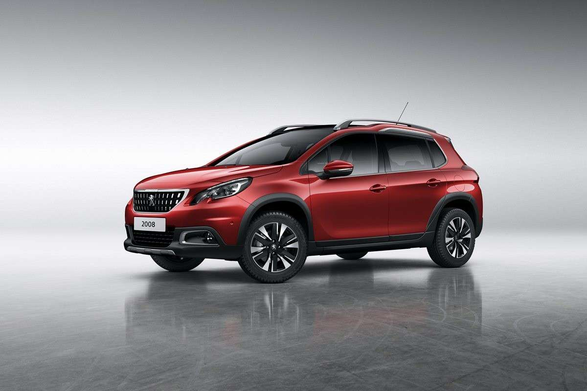 Peugeot 2008 restyling 2016 con gomme mud+snow