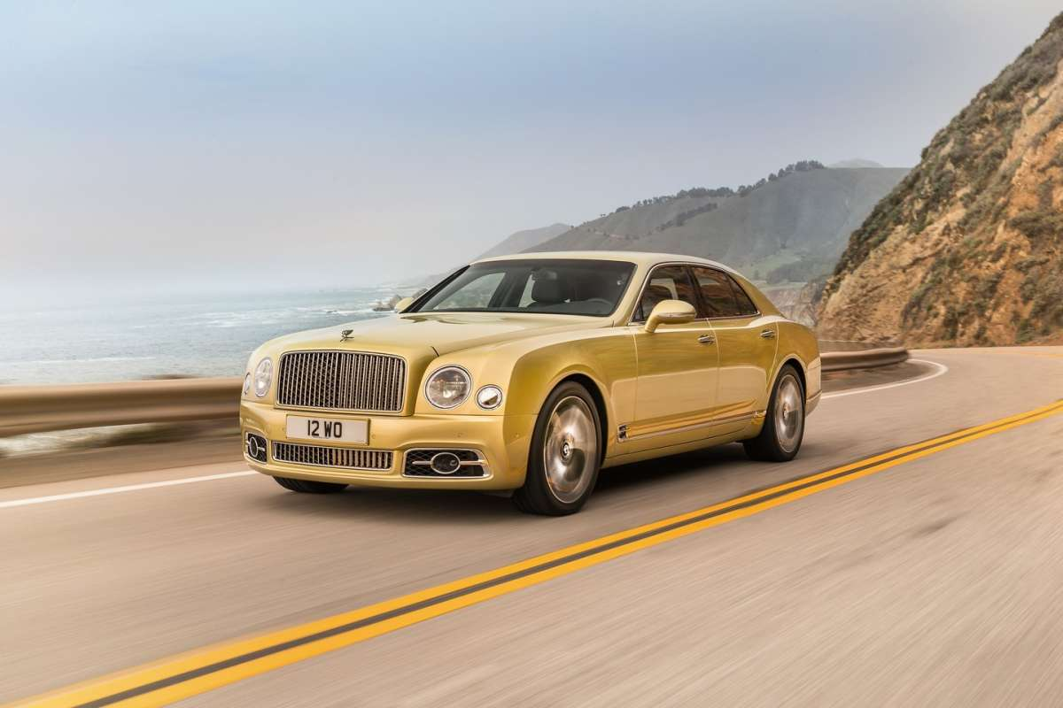Bentley Mulsanne 2016 oro