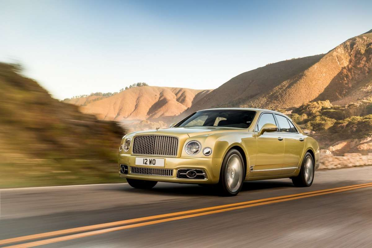 Bentley Mulsanne 2016 gialla