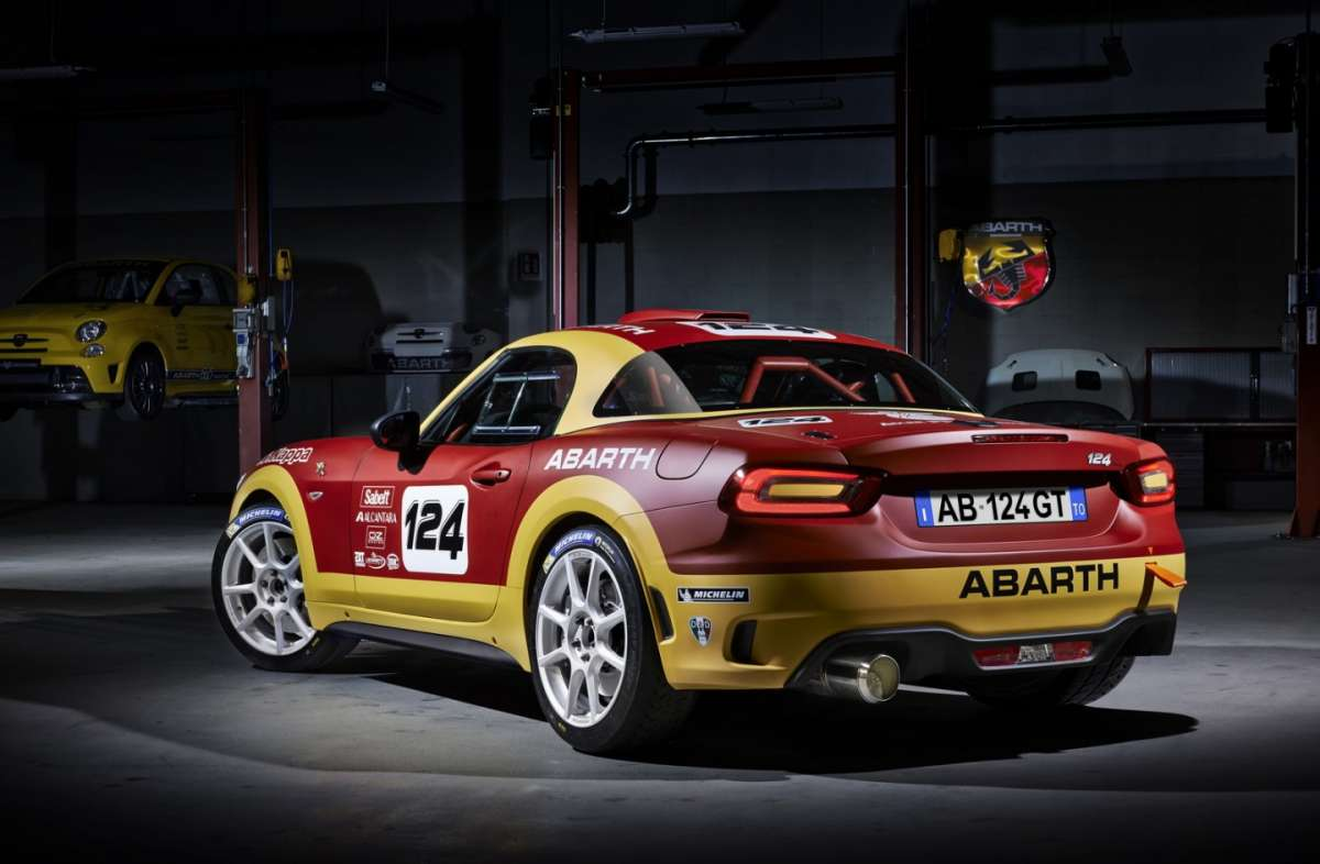 Abarth 124 Spider, in stile rally