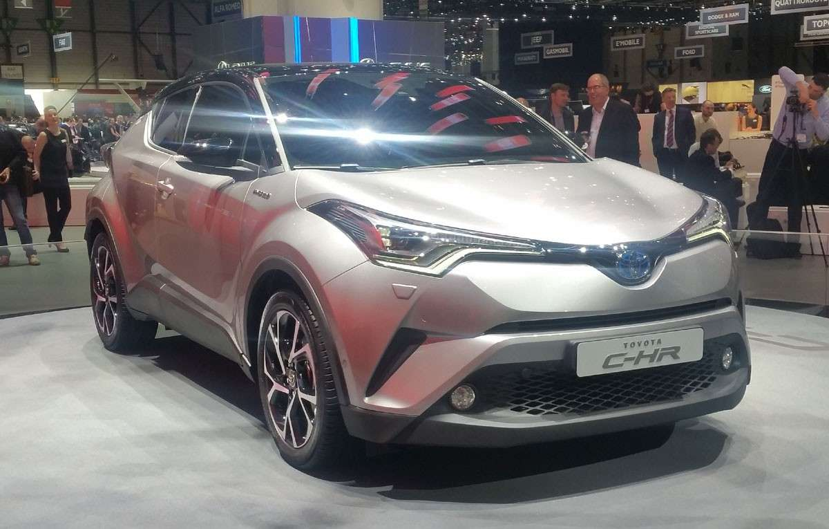Toyota C-HR turbo benzina