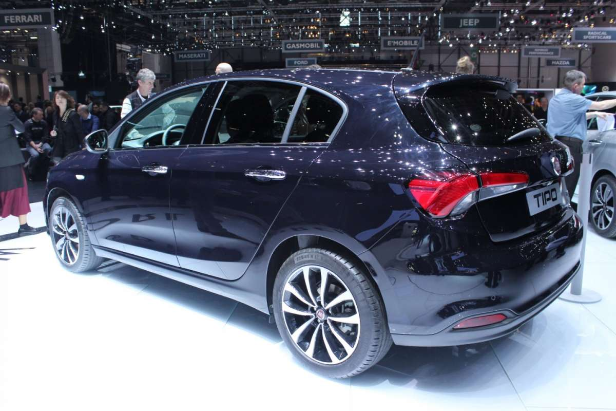 Fiat Tipo hatchback posteriore