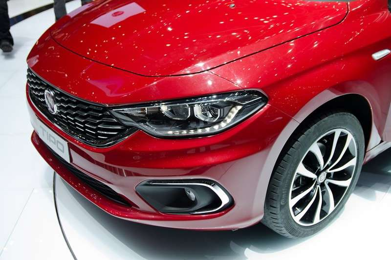 Luci diurne a LED Fiat Tipo station wagon 2016