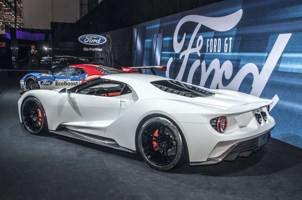 Ford GT posteriore