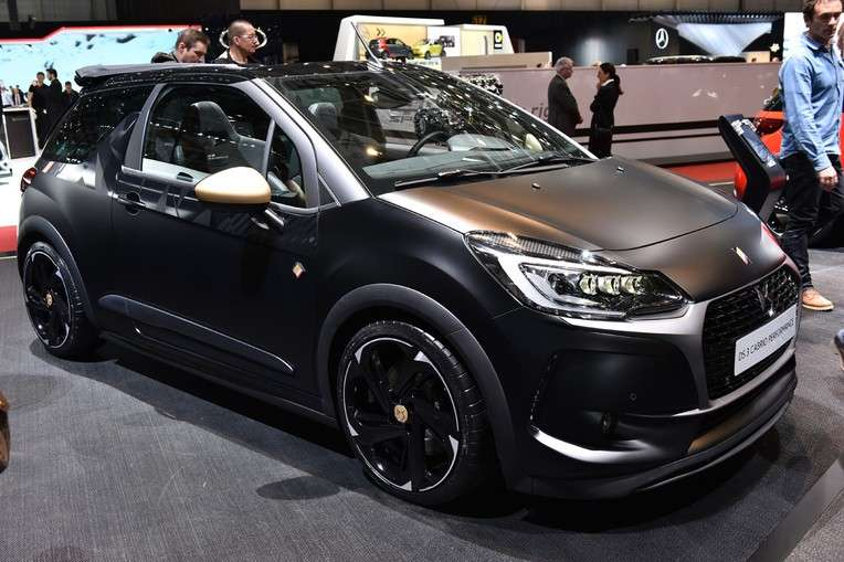 Livrea nera opaca per DS 3 Performance