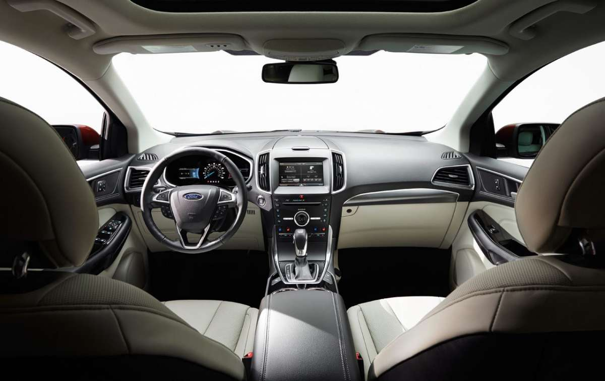 Interni di Ford Edge 2016