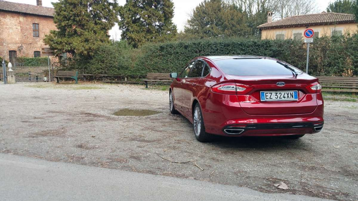 Ford Mondeo posteriore laterale