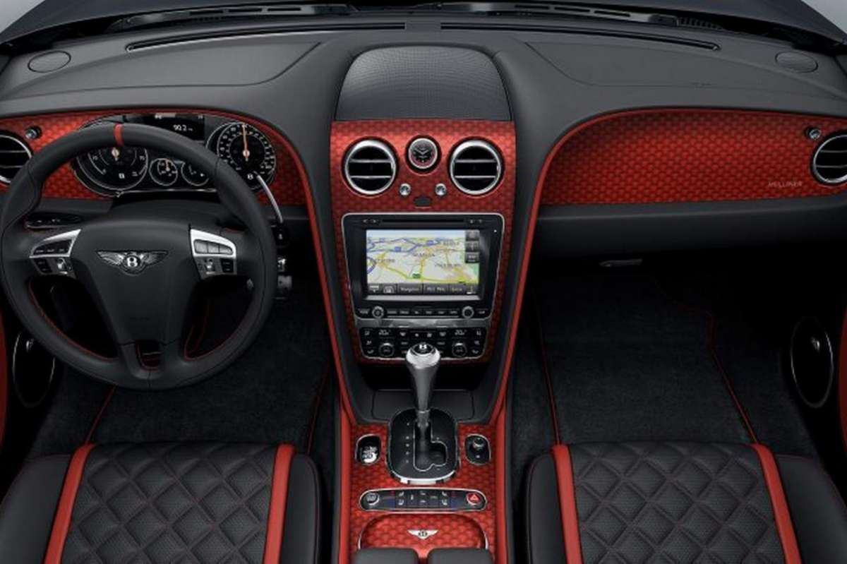 Interni di Bentley Continental GT Black Speed