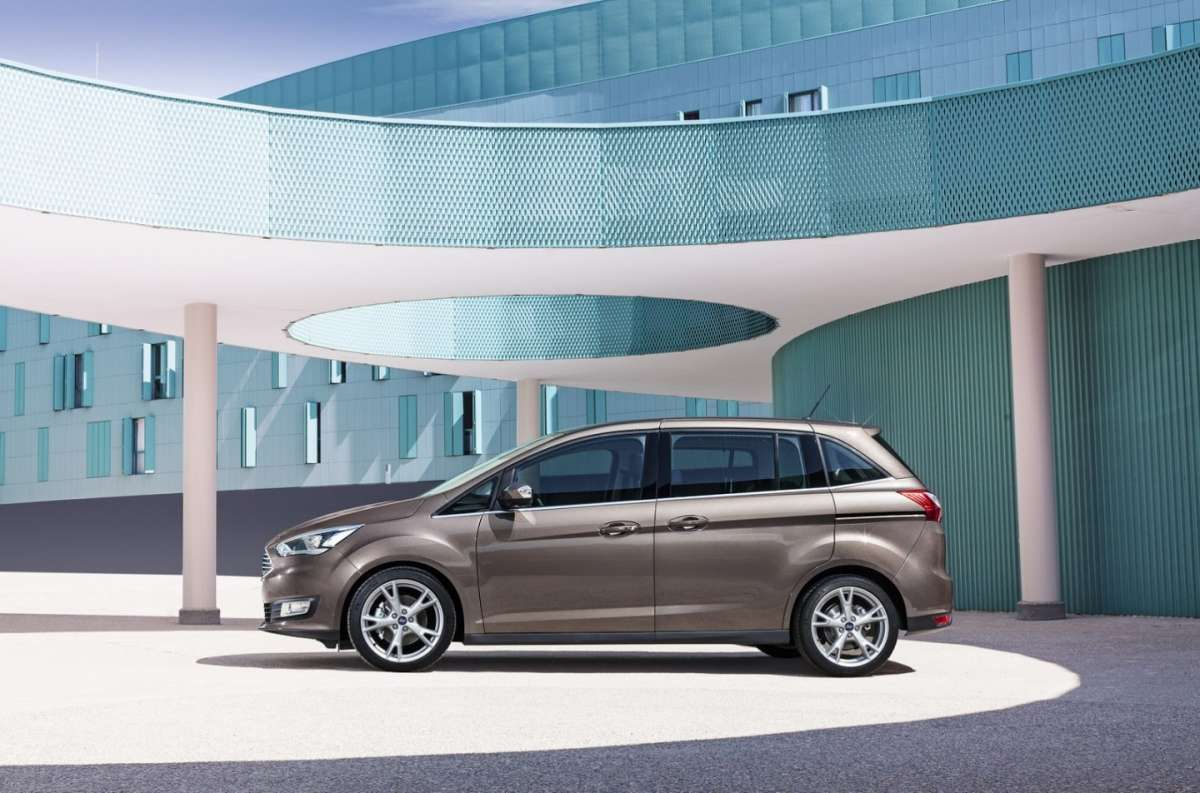 Ford C-Max restyling 7 posti