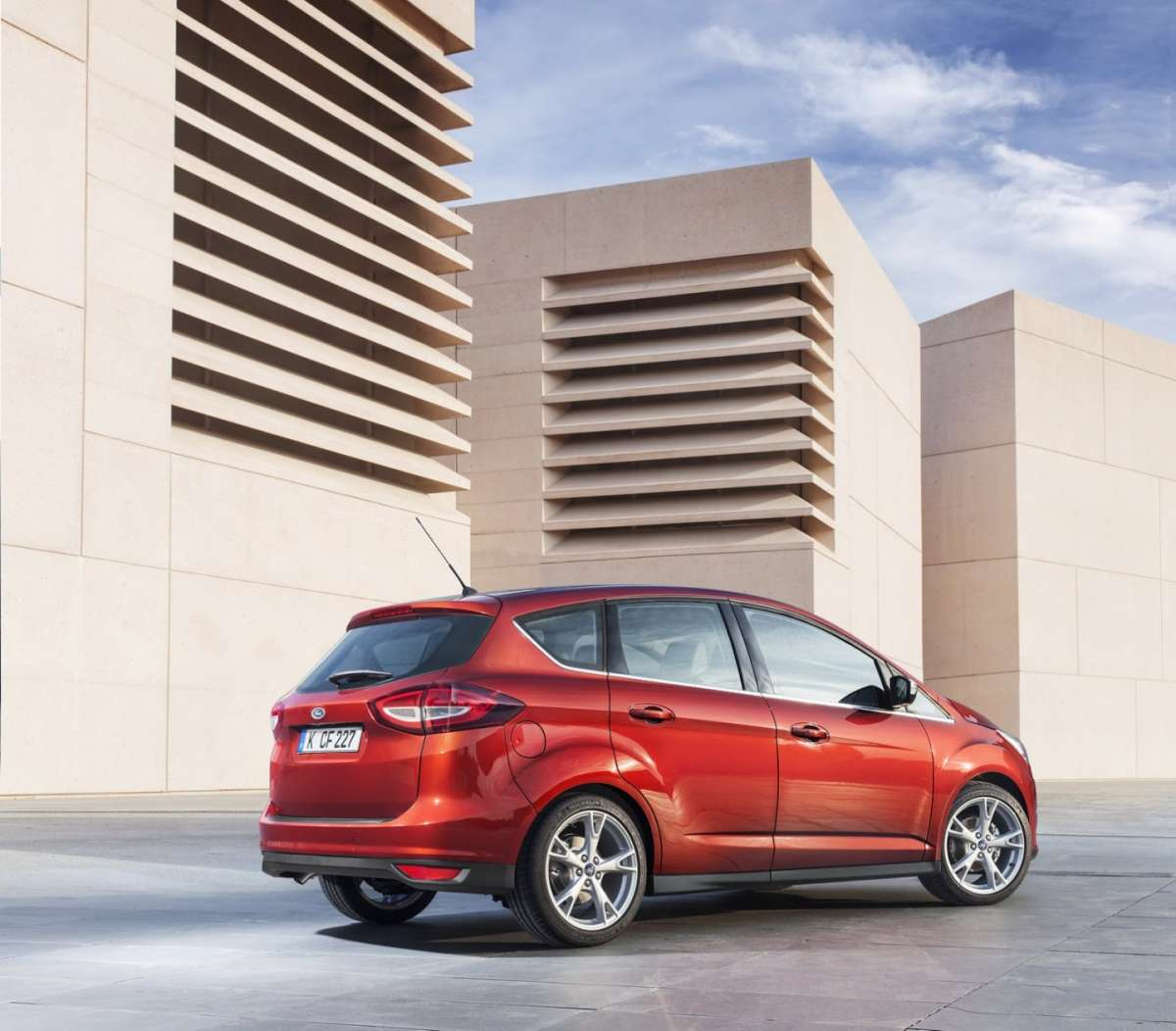 Ford C-Max restyling rossa