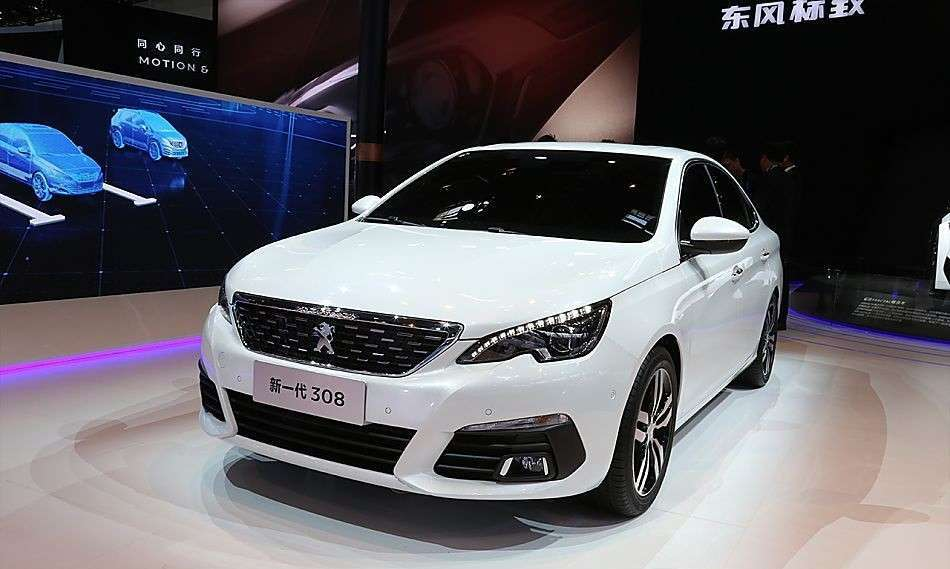 Peugeot 308 berlina Salone di Pechino