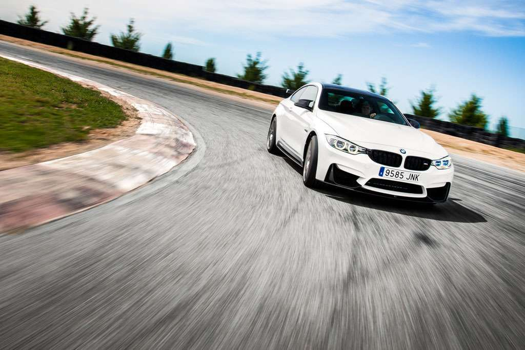 BMW M4 Competition Sport motore
