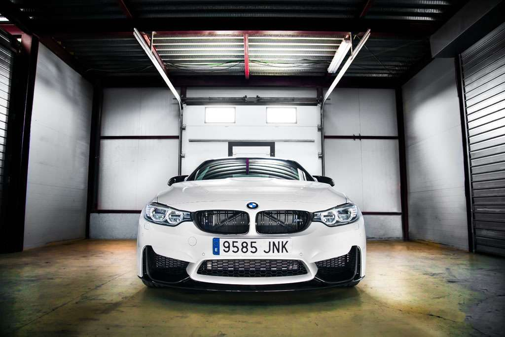 BMW M4 Competition Sport design anteriore