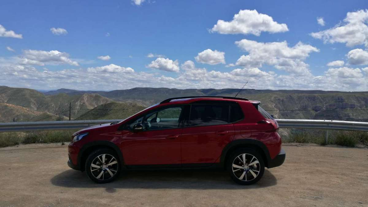 Peugeot 2008 2016 laterale