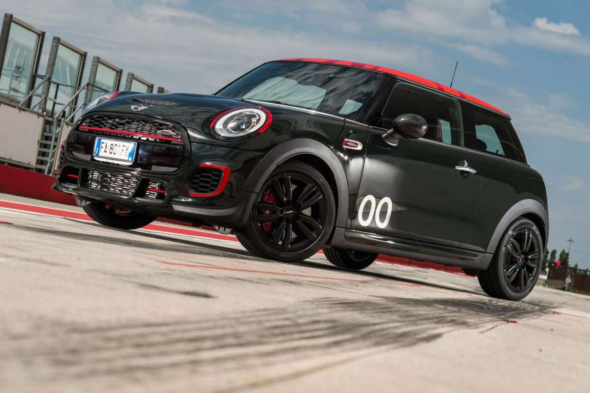 Mini John Cooper Works Challenge Edition design