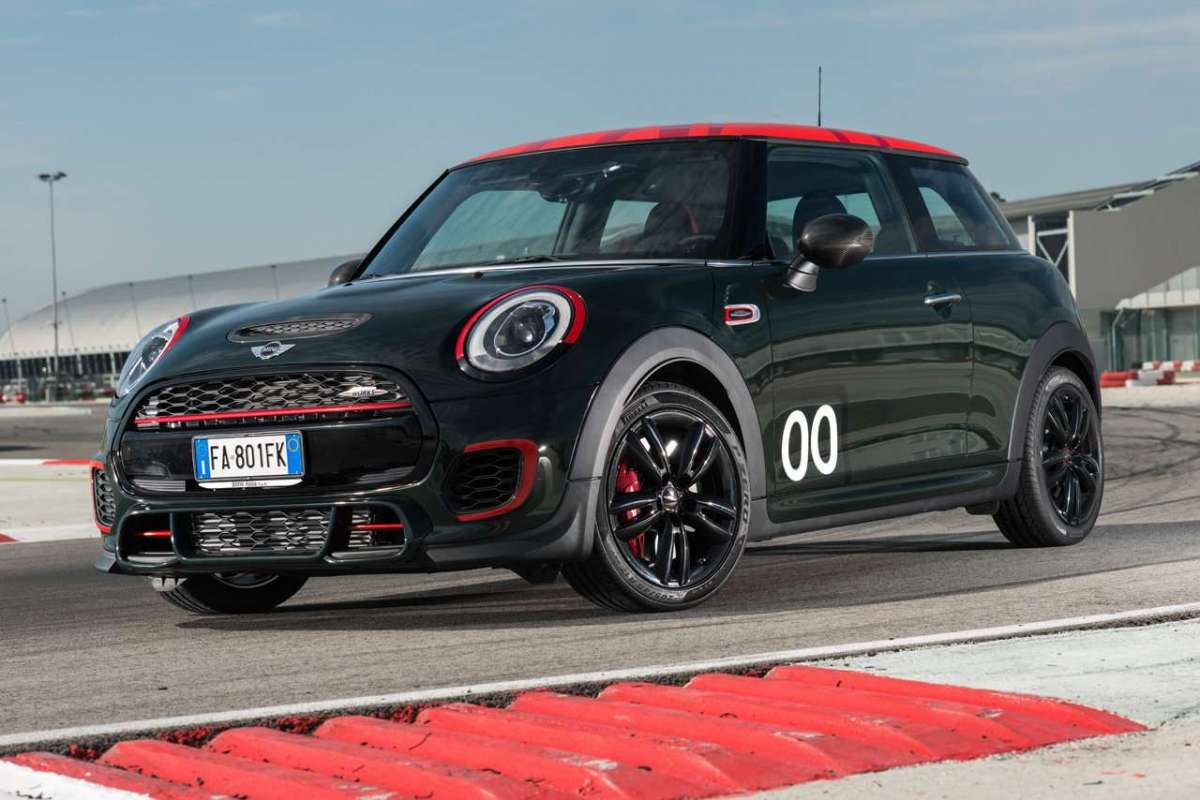 Mini John Cooper Works Challenge Edition foto