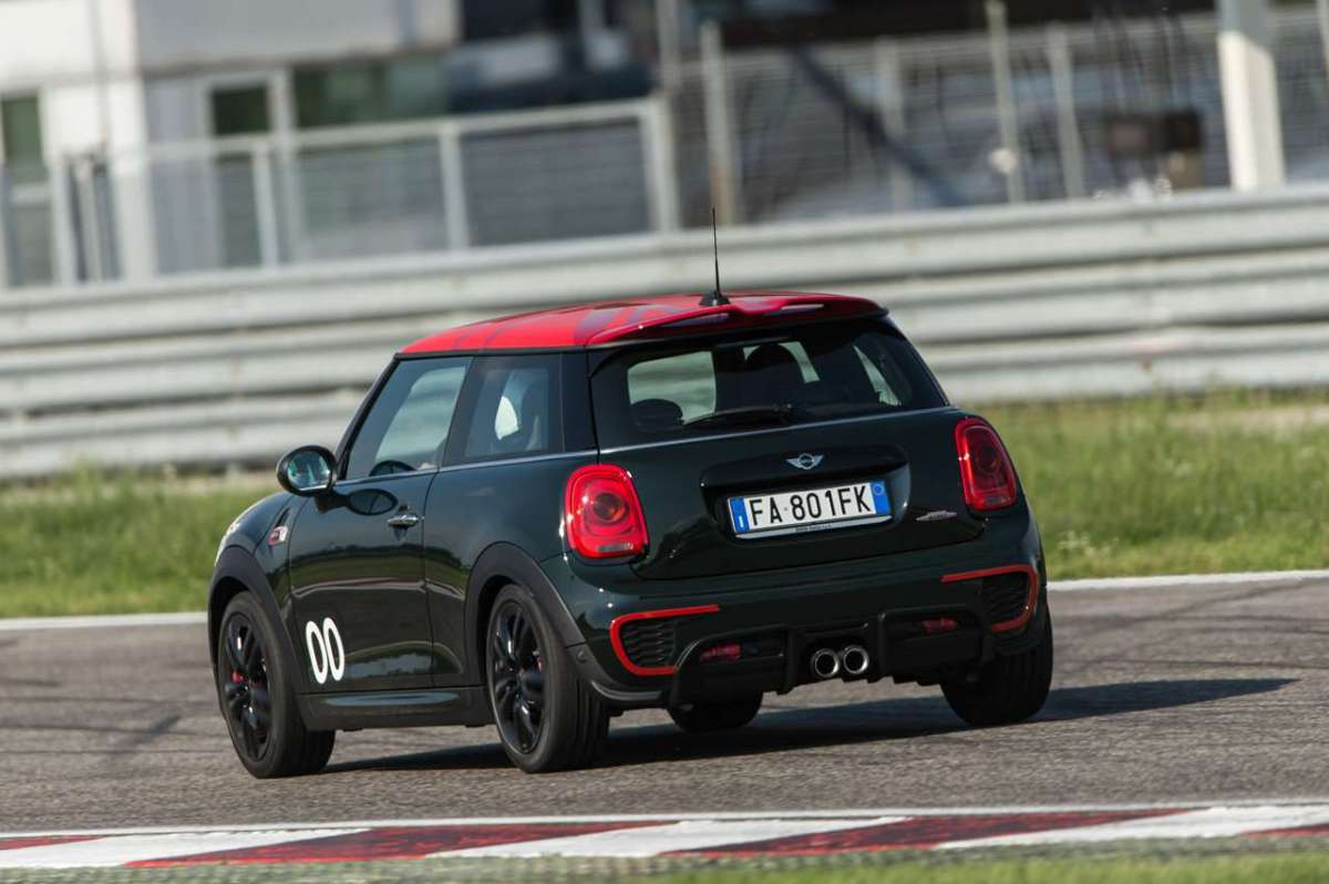 Mini John Cooper Works Challenge Edition laterale posteriore