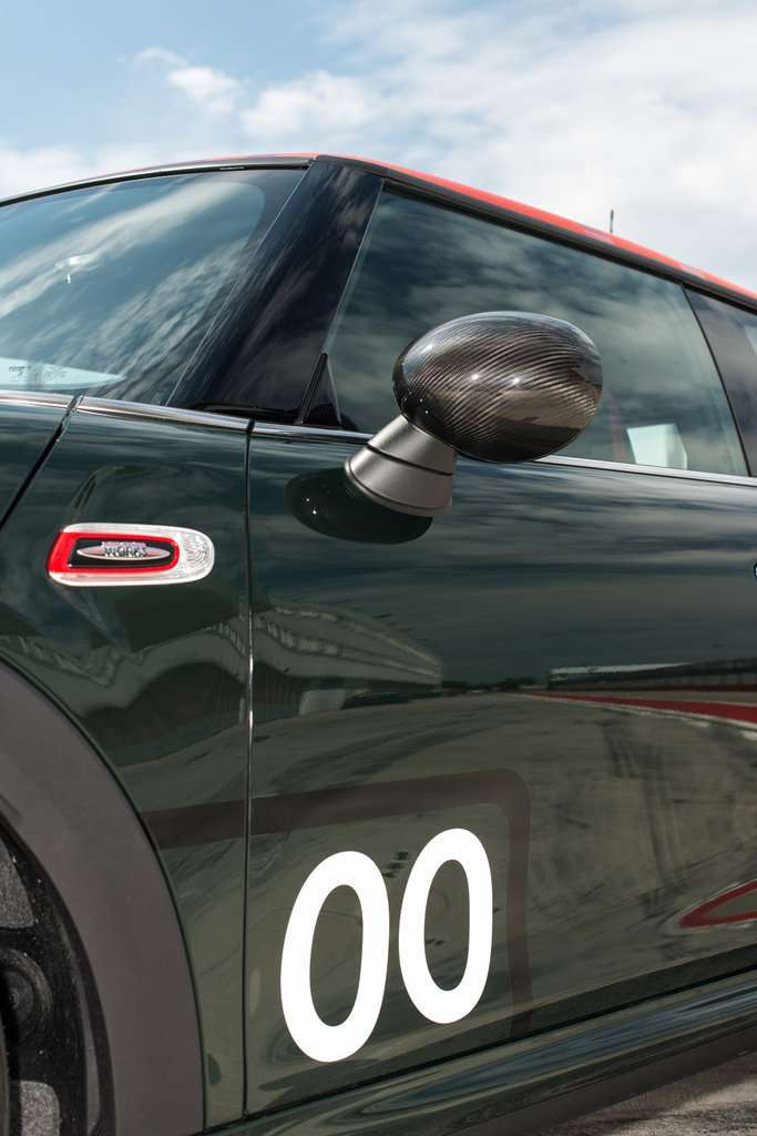Mini John Cooper Works Challenge Edition specchietti in carbonio