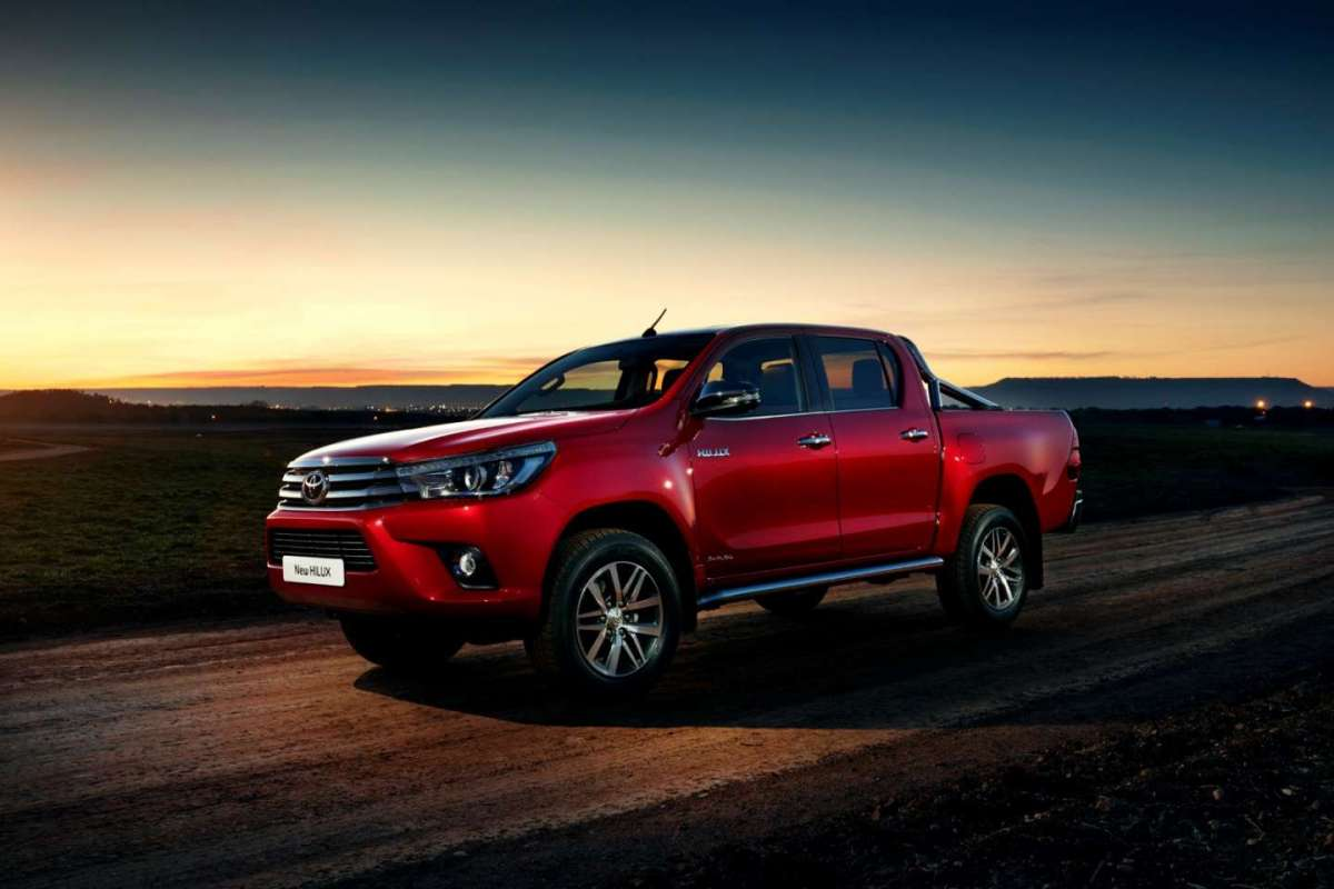 Nuovo Toyota Hilux 2016