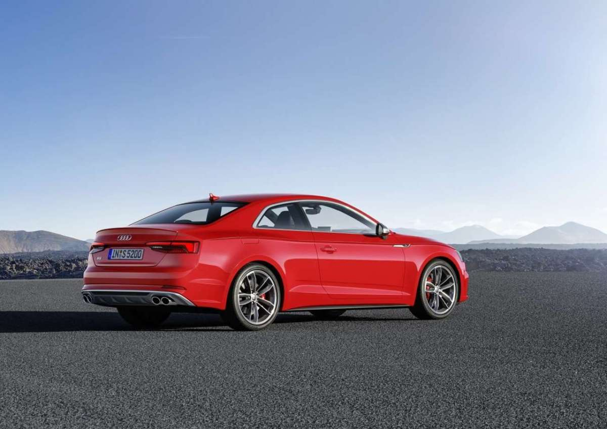 Audi S5 Coupé 2017 laterale posteriore