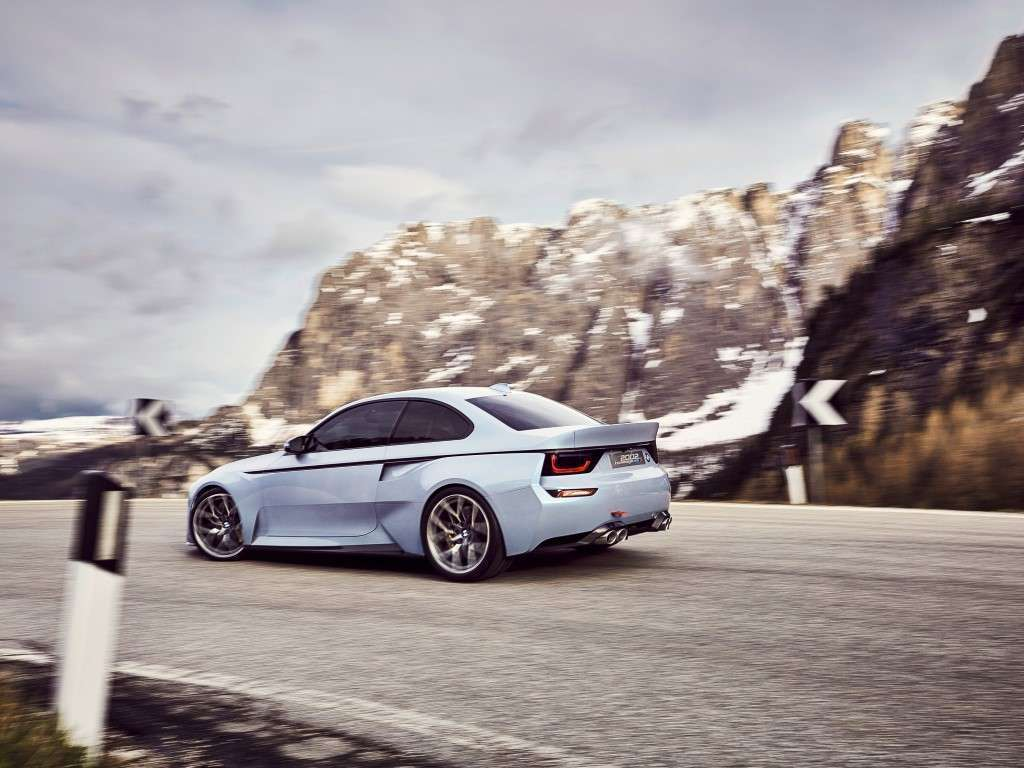 BMW 2002 Hommage posteriore