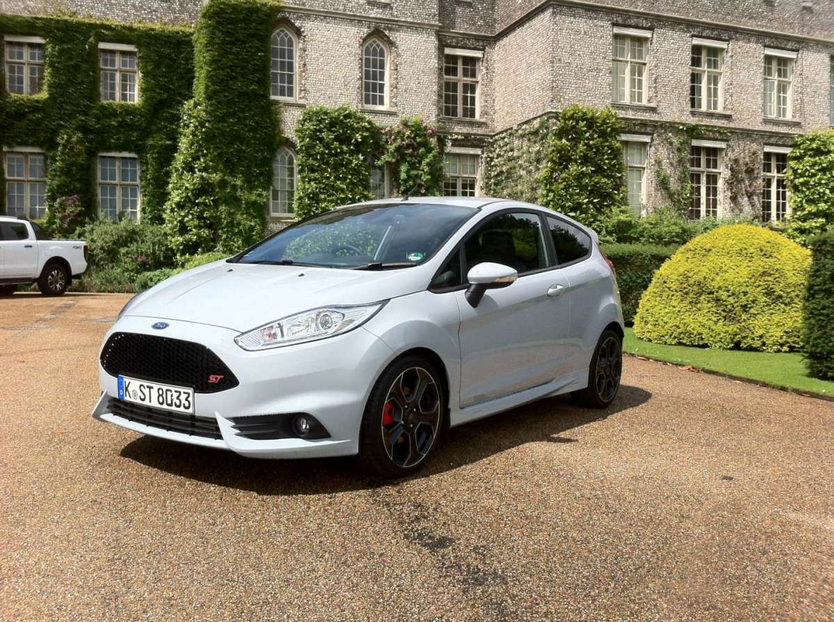Ford Fiesta ST200, grintosa