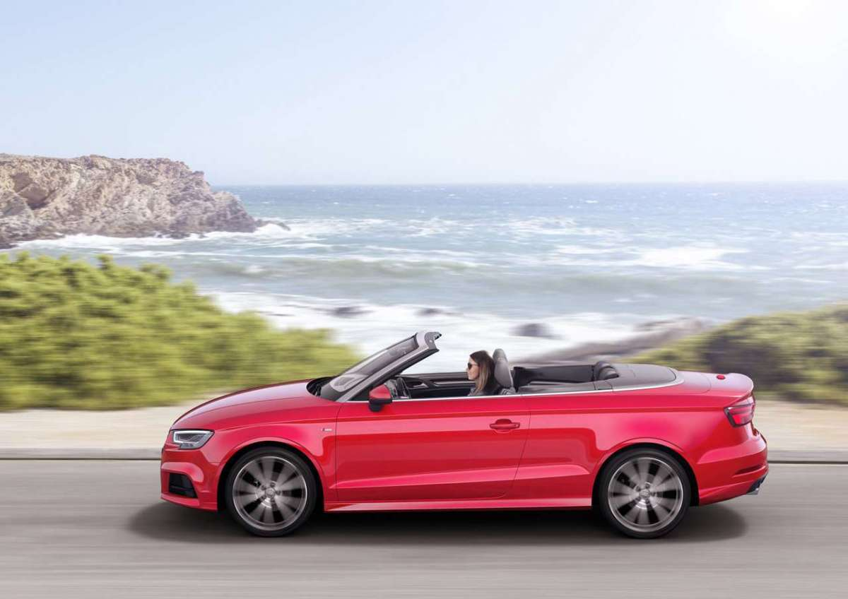 Fiancata dell'A3 Cabriolet 2016 restyling
