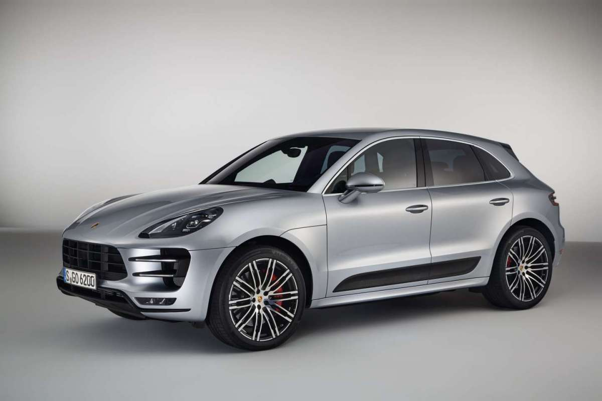 Porsche Macan Turbo Performance Package