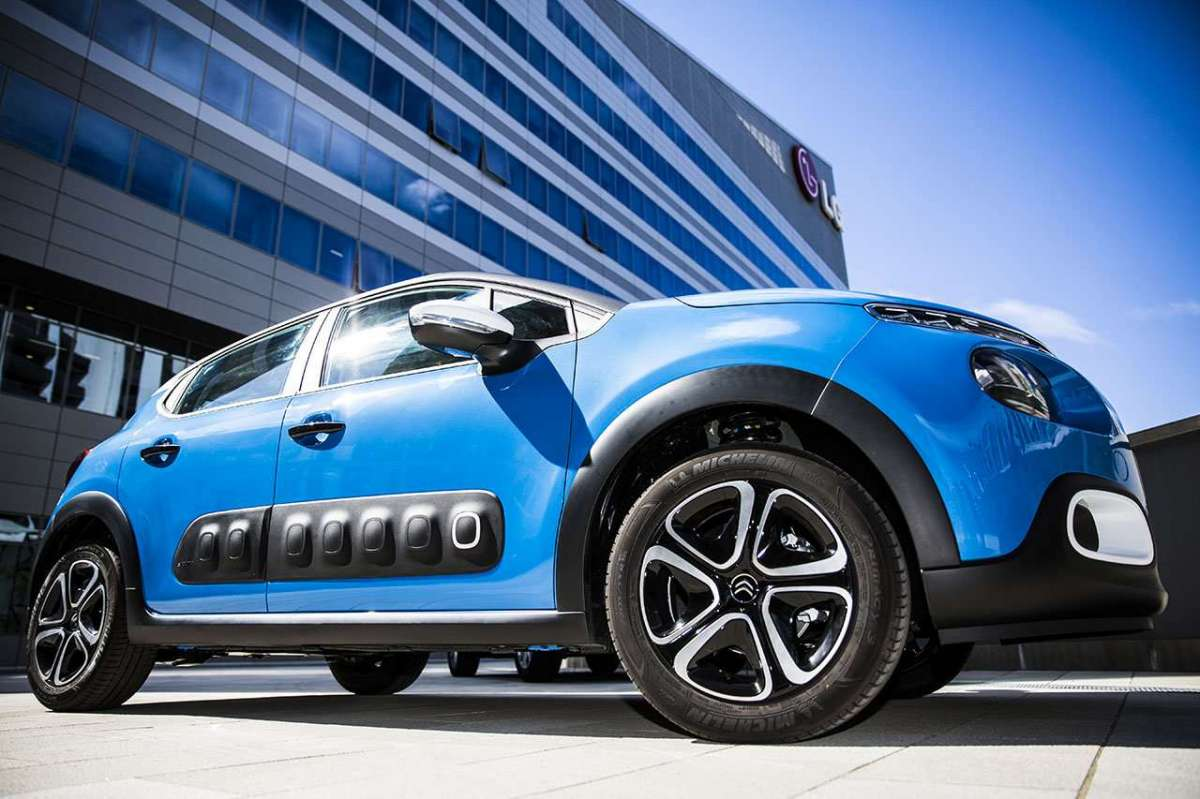 Citroen C3 Facebook-Only Limited Edition airbump