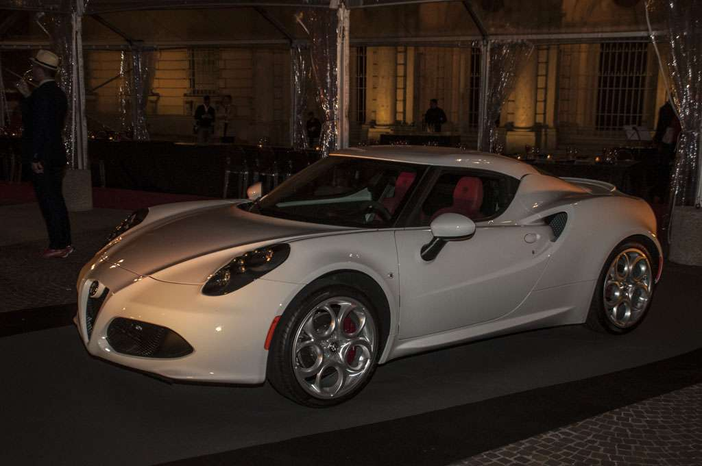 Alfa Romeo 4C The Red Table coupé