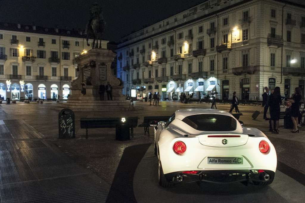Alfa Romeo 4C The Red Table
