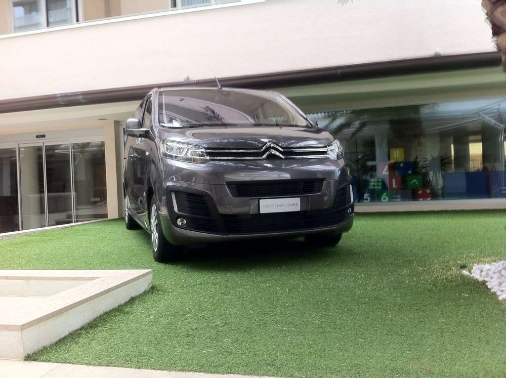 Citroen SpaceTourer, il design