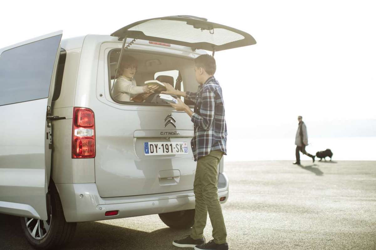 Citroen SpaceTourer, lunotto posteriore apribile