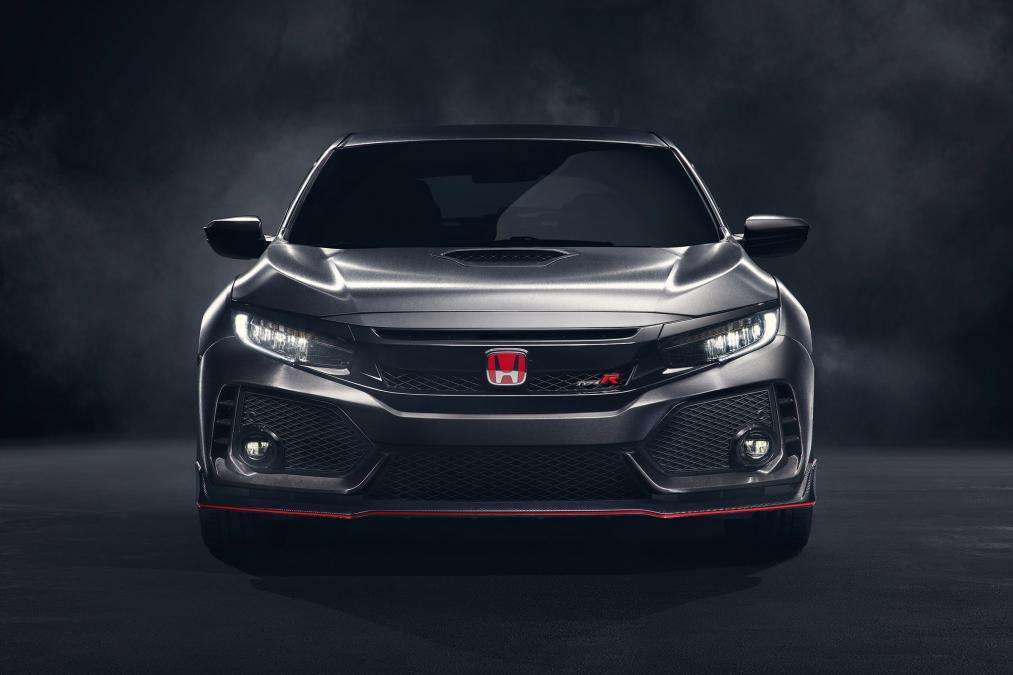 Honda Civic Type R, anteriore aggressivo
