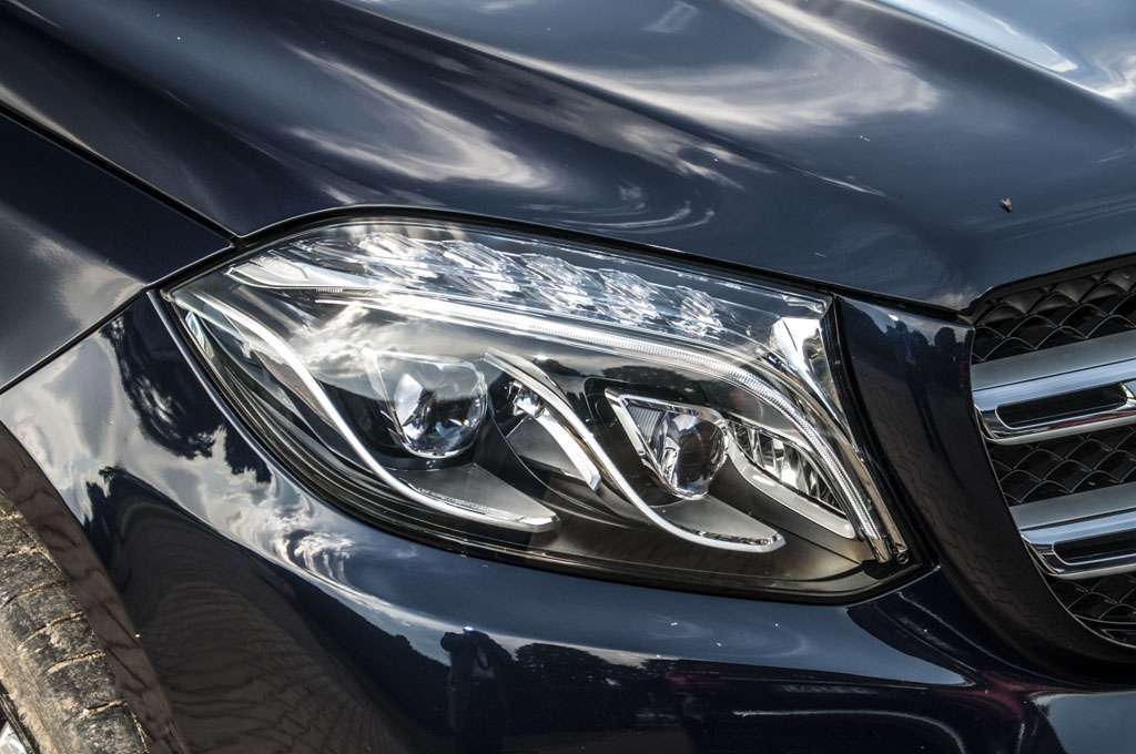 Mercedes GLS 350d luci intelligenti