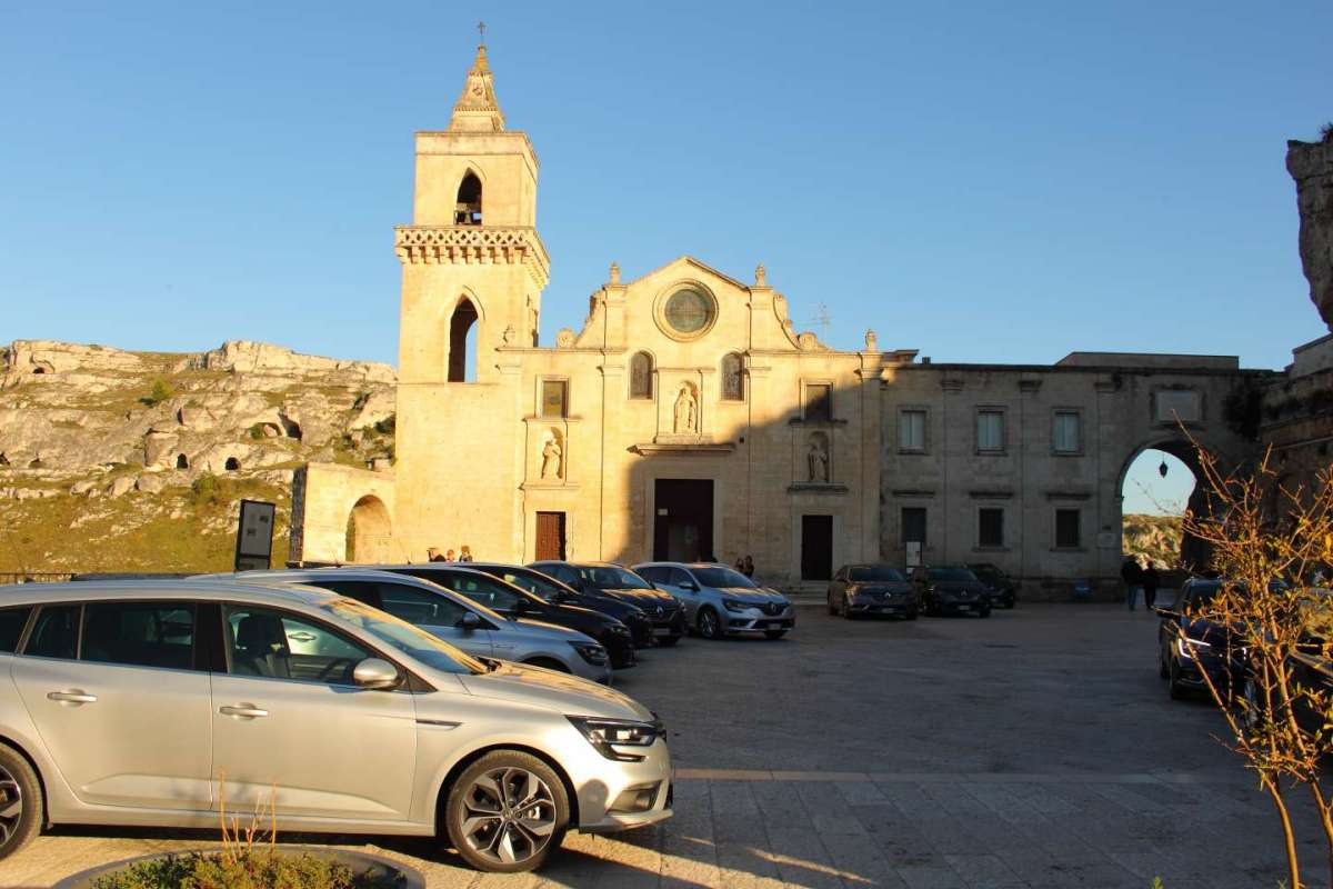 Renault Megane Sporter, in piazza a Matera