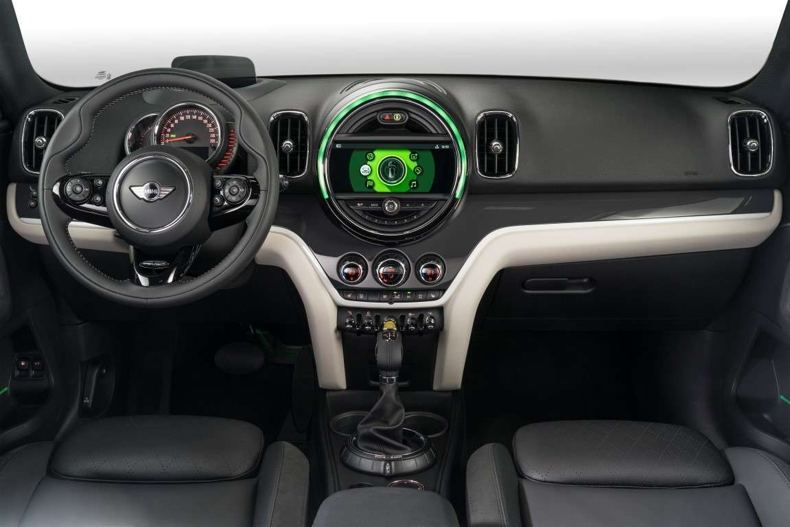 Interni di nuova Mini Countryman ibrida plug-in