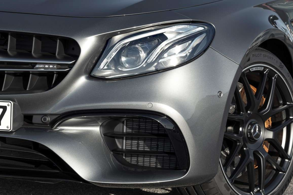 Mercedes AMG E 63 S 4Matic+, fari a led
