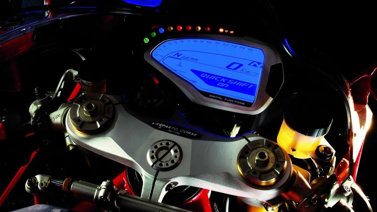 MV Agusta F4 RC MY 2017 Limited Edition cluster